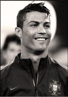 Cristiano Ronaldo ♥ love his smile ♥