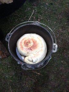Gevuld brood uit de Dutch Oven
