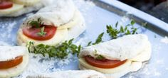 Braaibroodjies Bagel, Side Dishes, Bread, Recipes, Food, Brot, Recipies, Essen, Baking