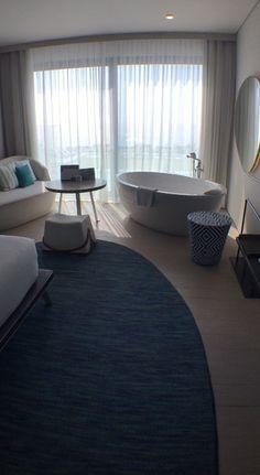 VERANDA RESORT PATTAYA ベッドの隣に浴槽🛁