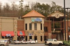 Blue Moose Burgers and Wings is Pigeon Forge's only family sports bar and grill