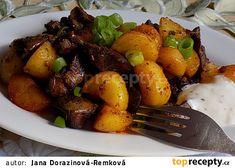 Pikantní brambory s česnekem a kuřecími játry recept - TopRecepty.cz Gnocchi, Pot Roast, Food And Drink, Pork, Treats, Sweet, Ethnic Recipes, Czech Recipes, Bakken