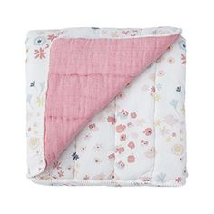 With soft brushed cotton quilted front and a chambray muslin reverse and the sweetest pom pom trim, this Meadow Quilted Blanket is the perfect playmat or stroller accessory. - Dimensions: x - Exterior: cotton / filling: polyester. - By Petit Pehr. Receiving Blankets, Cotton Blankets, Cotton Quilts, Baby Blankets, Wit And Delight, Quilted Baby Blanket, Chic Nursery, Nursery Bedding, Pom Pom Trim