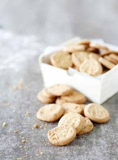 Cookies. Food & style Kati Pohja, photo Joonas Vuorinen. Kotivinkki magazine 19/2013