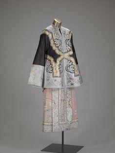 Non-Western Historical Fashion - Woman's semi-formal domestic overcoat ...