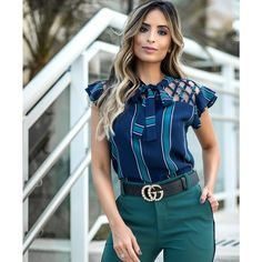 I love this blouse. Indian Fashion Trends, Business Casual Attire, Dress Neck Designs, Girls Blouse, Moda Plus Size, Online Fashion Boutique, Pakistani Outfits, Short Tops, Stylish Dresses