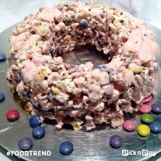 POPCORN CAKE –yay or nay? We say YAY! Interesting salty & sweet treat perfect for a kiddie Birthday bash. Baking Recipes, Cake Recipes, Popcorn Cake, Recipe Search, Food Trends, Sweet And Salty, Pulled Pork, Delicious Desserts, Sweet Treats