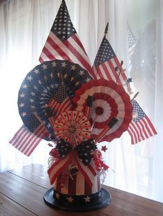 4th of July centerpiece red white blue valthecraftygal.blogspot.com