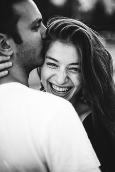 Best of Romantic Couples Photography Poses 2020 Couple Photoshoot Poses, Couple Picture Poses, Photo Couple, Cute Couple Pictures, Pre Wedding Photoshoot, Couple Portraits, Couple Shoot, Poses For Couples, Fall Couple Photos