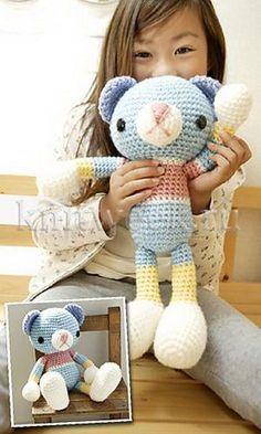 Cute Crochet Teddy Bear. Free pattern ༺✿Teresa Restegui http://www.pinterest.com/teretegui/✿༻