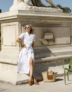 I Live in Paris and This Is My Capsule for Summer 2020 | Who What Wear UK Simple Summer Dresses, Summer Chic, Summer Outfits, Parisian Chic Style, Girl Fashion, Fashion Tips, 70s Fashion, French Fashion, Fashion Online