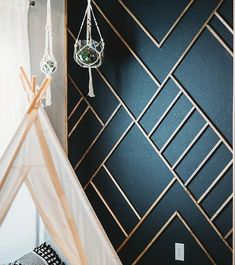 Modern Wood Accent Wall Ideas Get inspired with our favorite modern wood accent … - Moderne Inneneinrichtung Wooden Accent Wall, Metal Wall Decor, Modern Wall Decor, Painted Accent Walls, Modern Wall Paneling, Staircase Wall Decor, Letter Wall Decor, Wall Panelling, Do It Yourself Inspiration