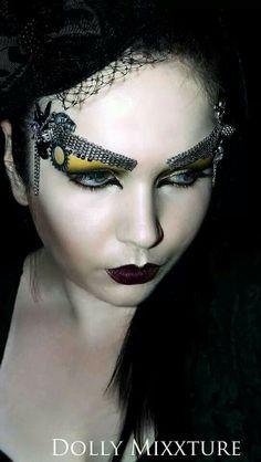Steampunk makeup. Crazy but cool!