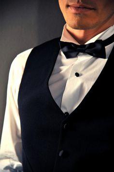 Γιλέκο s140 wool Ιταλίας Slim fit, χειροποίητο πουκάμισο 100% cotton Αγγλίας, παπιγιόν Italo Ferretti 100% silk Ιταλίας