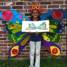 The Very Hungry Caterpillar Costume una bolsa de color en el cuerpo y listo el disfraz de mariposa http://www.multipapel.com/familia-material-para-disfraces-maquillaje-bolsas-de-color.htm