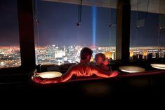 22 Incredible Restaurants With Insane Views Mandalay Bay, Las Vegas - Nevada Vegas Getaway, Las Vegas Trip, Las Vegas Nevada, Las Vegas Restaurants, Las Vegas Hotels, Vegas Birthday, Birthday Bash, Birthday Ideas, Mandalay Bay Vegas