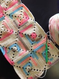 OYA's WORLD- Crochet-Knitting: Crochet: Shawl with Solid Squares Chain space . OYA's WORLD- Crochet-Knitting: Crochet: Shawl with Solid Squares Chain space at the corners) Motifs Granny Square, Crochet Motifs, Crochet Quilt, Crochet Blocks, Granny Square Crochet Pattern, Crochet Squares, Crochet Stitches, Free Crochet, Easy Knitting Patterns