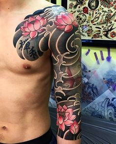 Japanese tattoo sleeve by @swallowhiro. #japaneseink #japanesetattoo #irezumi #tebori #colortattoo