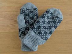 バルト/エストニアで見つけた手編みのミトン(手袋)_グレー×ブラック