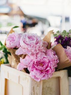 Pink Flowers : Peonies at the market in Gothenburg, Sweden.tn - Leading Flowers Magazine, Daily Beautiful flowers for all occasions My Flower, Fresh Flowers, Pink Flowers, Beautiful Flowers, Edible Flowers, Colorful Roses, Arte Floral, Pink Peonies, Peony