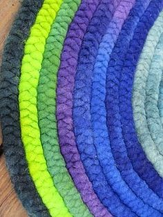 Shepherd's rug! - I have some old club roving (yes real roving) that needs to be braided like this.