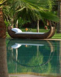 pool im garten liege palmen