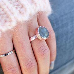 Rose gouden ring met grijze steen