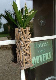 """""""Aux 4 Cornes"""" vous souhaite un très bon 1er mai !!!  #Vendee #GuestAndHouse#Reseau #Bnb #ChambresHotes #Qualite #Caractere #Standing  """"Aux 4 Cornes"""" wishes you a very good May 1 !!!"""