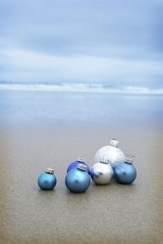 love this colour palate - Christmas by the sea.