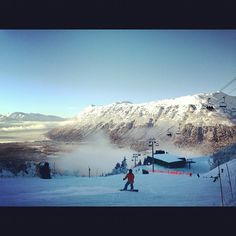 Lots of skiers & snowboarders visit Alyeska in Girdwood every winter! Alaska Usa, Anchorage Alaska, Alaska The Last Frontier, Snow Pictures, Skiers, Mountain Resort, Snowboarding, Beautiful Places, Surfing