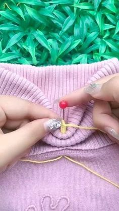 Sewing Basics, Sewing Hacks, Sewing Tutorials, Sewing Crafts, Sewing Art, Hand Embroidery Videos, Hand Embroidery Designs, Diy Embroidery, Embroidery Patterns