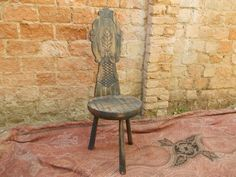 Cadeira esculpida patinada
