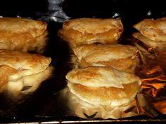 Chausson aux pommes caramélisées : Recette de Chausson aux pommes caramélisées - Marmiton