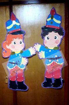 Art Blue, Chile, Candles, Birthday, Licence Plates, School Decorations, School Doors, Pencil Organizer, Classroom Setting