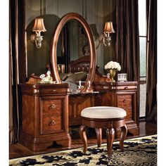 vintage vanity set...  how fun :)