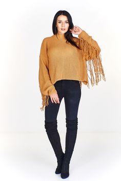 Dámský kratší svetr zdoben třásněmi. Turtle Neck, Sweaters, Fashion, Moda, Fashion Styles, Fasion, Sweater, Sweatshirts