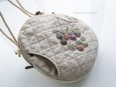 Japanese Patchwork, Japanese Bag, Fabric Wallet, Fabric Bags, Postman Bag, Diy Purse, Basket Bag, Quilted Bag, Crochet Purses