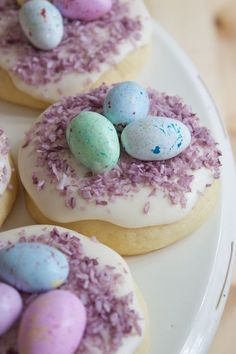 Easter Nest Sugar Cookies, Easter Nest Cookie Ideas, DIY Easter candy inspiration, Personalized Easter food ideas #Easter #ideas #holiday www.loveitsomuch.com
