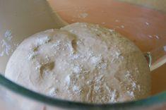"""V kuchyni """"Obyčejné ženy"""": Kváskový chleba krok za krokem... Ice Cream, Bread, Food, No Churn Ice Cream, Icecream Craft, Brot, Essen, Baking, Meals"""