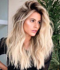 Beach Blonde Hair, Blonde Hair Looks, Blonde Hair With Highlights, Brown Blonde Hair, Blonde Hair With Roots, Blonde Hair Lowlights, Short Blond Hair, Brown Blonde Balayage, Beach Hair Color