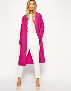 WOWSER, how unreal does this hot pink duster look when teamed with an all-white ensemble!? I'm in love. http://asos.to/X4ggmO #TopPick