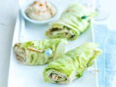 Wraps van ijsbergsla, kalkoen en komkommer - Libelle Lekker  Boordevol smaak, maar toch lekker licht.