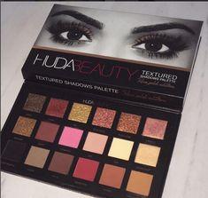 Huda Beauty Textured Shadow Palette -sneak peak