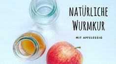 Knoblauch, Zwiebel, Kräuter und Apfelessig. Die natürliche Wurmkur für Hühner zur vorbeugenden Behandlung und Stärkung des Verdauungssystems.
