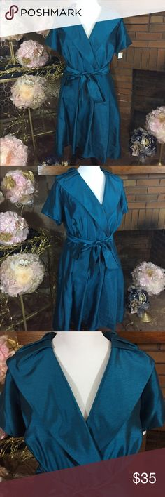 Jessica Howard teal dress sz 24 Jessica Howard teal dress sz 24. New with tags. 34in long from under the arm. All one piece. Please check out all pictures for best description of the items. Ask me any questions and happy shopping. Jessica Howard Dresses Midi