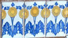 Rome, Villa Ximenes, Ceramiche ornamentali della facciata