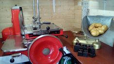 2 pieces of equipment recently restored by myself for my collection of shop equipment Meat Slicers, Flat Bed, Om, Kitchen Appliances, Collection, Diy Kitchen Appliances, Home Appliances, Kitchen Gadgets