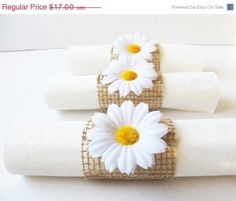 ON SALE 20 Napkin Rings White Daisies Brown Burlap Wedding Party Daisy Napkins Ring Wedding Table Decor Paper Napkin Holders Birthday Party