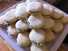 Alfajore's de Maizena... one of the most delish Argentine treats ...