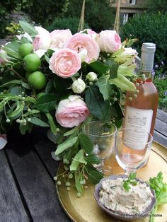 Floral Arrangement ~ peonies or roses and limes… A French Bouquet a Love Flowers, Fresh Flowers, Beautiful Flowers, Wedding Flowers, Flowers Wine, Beautiful Days, Romantic Flowers, Ronsard Rose, My French Country Home